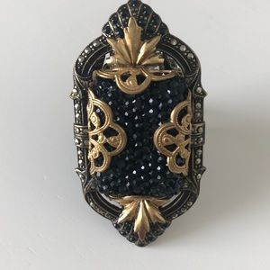 Jewelry - Gorgeous Vintage Look Ring